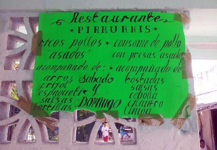 """La pancarta del negocio de comida """"pirruris"""" que opera de manera ilegal al interior del Cereso. (Juan Palma/SIPSE)"""