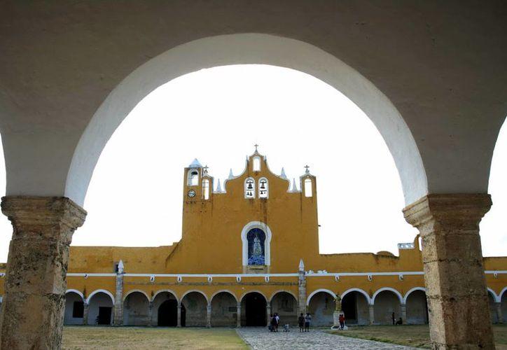 El exconvento de Izamal puede ser Patrimonio de la Humanidad, al igual que la Catedral de Mérida. (Milenio Novedades)