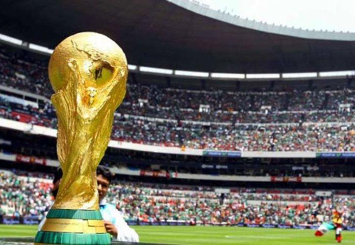La unión de los tres países que conforman América del Norte, Canadá, EUA y México, buscan ser la sede de la copa del Mundo del 2026. (Foto: El Heraldo)