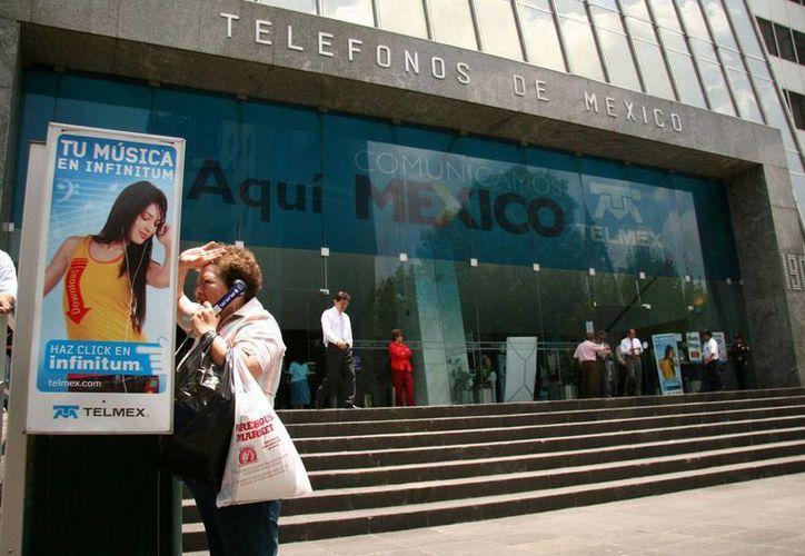 Teléfonos de México, según Ifetel, quiso desplazar a Axtel de la oferta de servicios de telefonía en larga distancia. (Archivo/Proceso)