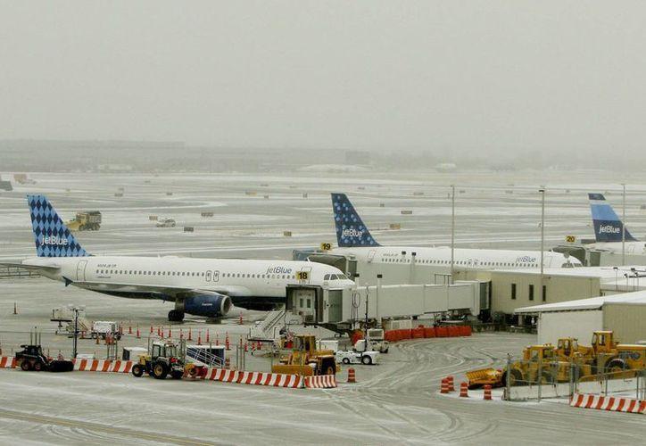 JetBlue tiene previsto para el próximo 31 de agosto el vuelo inaugural a la isla, entre Fort Lauderdale y Santa Clara, tras más de cincuenta años de enemistad entre ambas naciones. (EFE/Archivo)