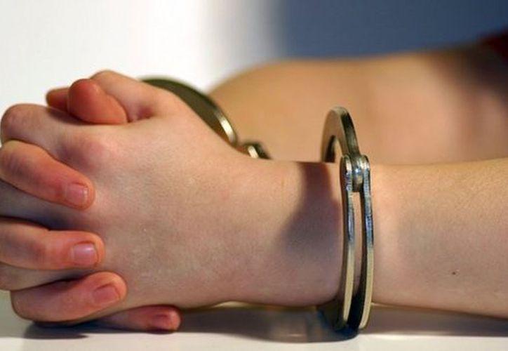 La Ley Nacional del Sistema Integral de Justicia para Adolescentes señala que por ningún motivo el Ministerio Público puede solicitar prisión preventiva en contra de menores de 12 a 14 años, sin importar el delito. (RT)