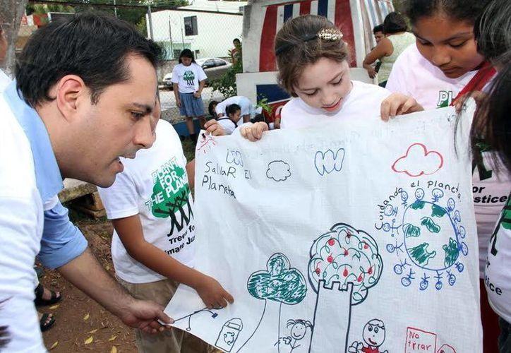 Los niños participaron en la jornada en favor del medio ambiente. (Milenio Novedades)