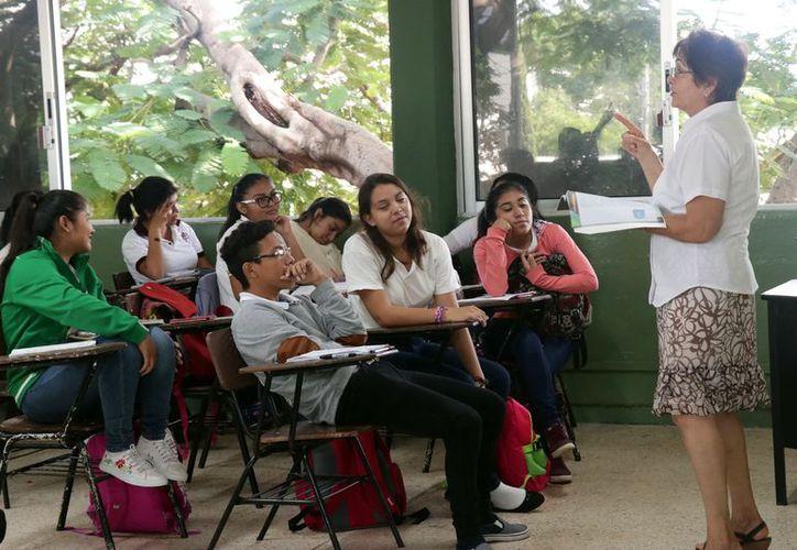 A pesar de estos datos, Yucatán ha reducido en los últimos años el número de reprobados en la prepa. (Foto: Milenio Novedades)
