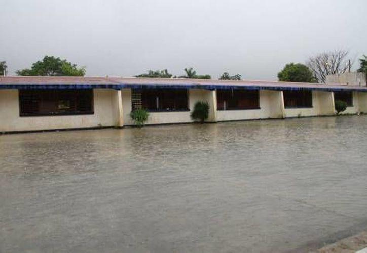 Las autoridades estatales anunciaron la suspensión de clases mañana en toda la entidad con motivo de las lluvias.  (Archivo/SIPSE)
