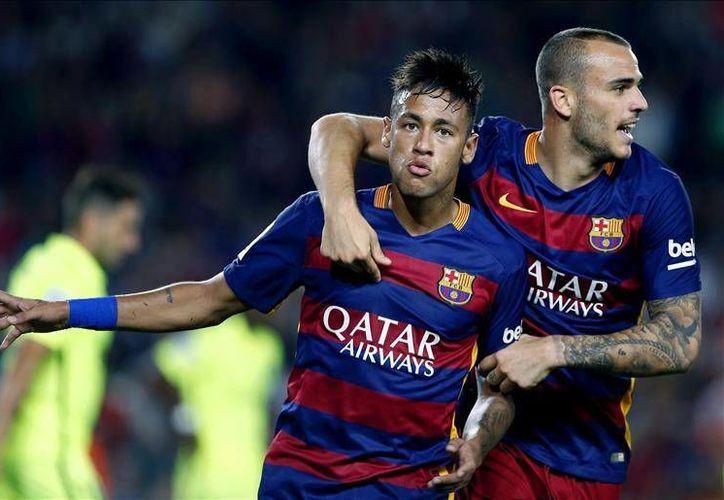 El brasileño Neymar incrementó la  ventaja del Barcelona al minuto 55 al marcar el dos a cero contra el Levante. El marcador habría de quedar 4-1 en partido de la jornada cuatro de la Liga de las Estrellas. (EFE)