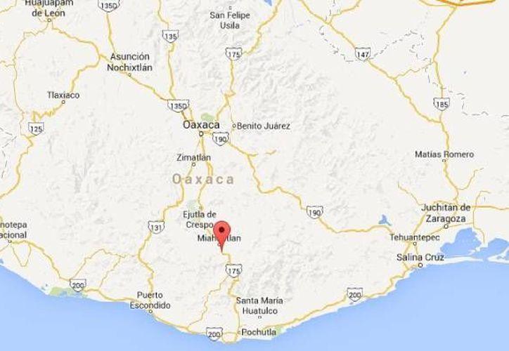 En el marco del atraco al camión de pasajeros a la altura de Tamazulapam , Oaxaca, la Cámara del Transporte estatal denuncia que ha aumentado el número de asaltos carreteros en los últimos meses.  (Google Maps)