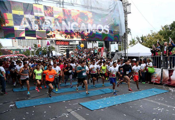 David Martínez González, titular del IMD, explicó los posibles cambios que harían a la nueva ruta del Maratón Internacional de Cancún. (Fotos/ Ángel Villegas)