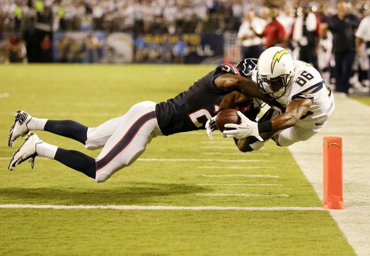 Una sólida defensa de los Texans paró en seco a los Chargers en la segunda mitad del partido. (Foto: Agencias)