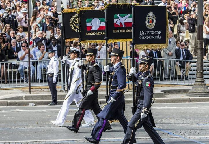 México fue invitado de honor a los festejos por el Día de la Bastilla en Francia, encabezando el desfile militar en los Campos Elíseos, la principal avenida de París. (Archivo/Notimex)