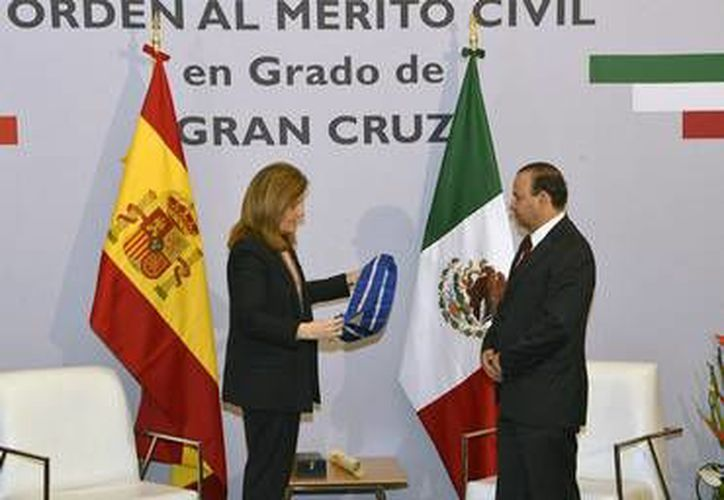 El titular federal de la STPS, Alfonso Navarrete Prida, recibió la Gran Cruz de la Orden al Mérito Civil de la Corona Española.  (Foto: Informador.mx)