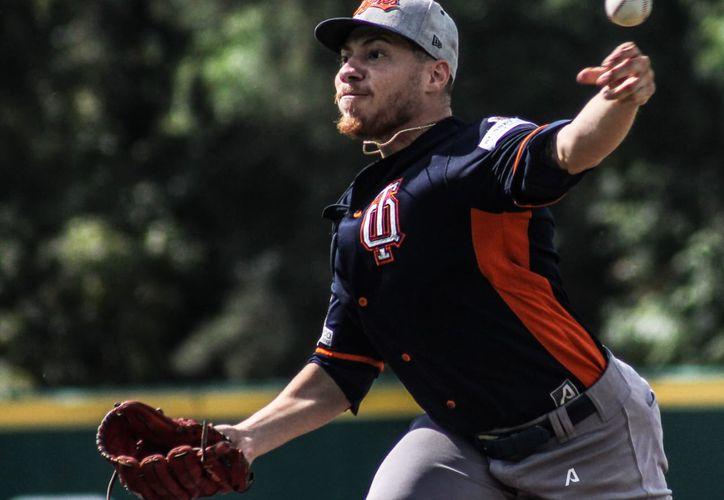 Tentativamente, el estadounidense Tyler Alexander, sería el pitcher abridor de los bengalíes para el duelo de esta noche. (Ángel Villegas/SIPSE)