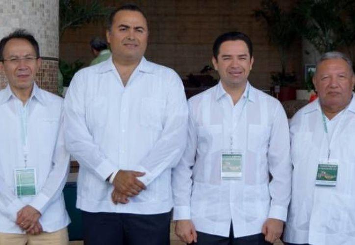 El diputado presidente de la Gran Comisión, José Luis Toledo Medina reconoció la labor de la Auditoría Superior del Estado. (Cortesía/SIPSE)