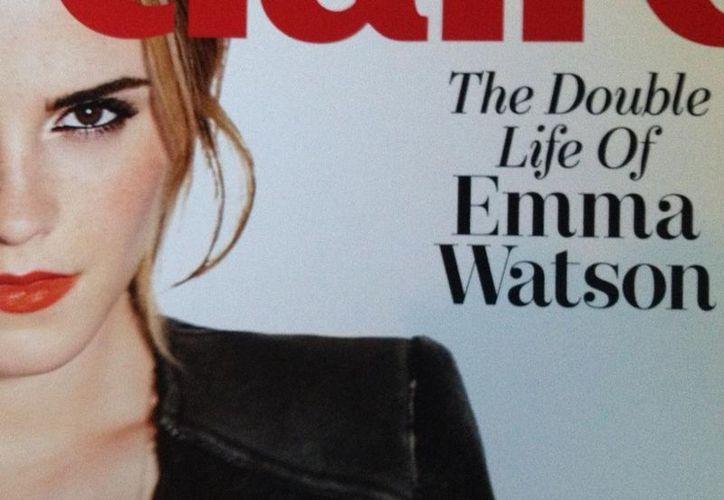 'Maldición, se descubrió que trabajo para el MI6!' publicó en su cuenta Emma Watson al subir esta fotografía. (@EmWatson)