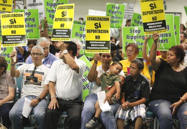 Migrantes mexicanos esperan una reforma migratoria en EU para regularizar su situación. (Agencias)