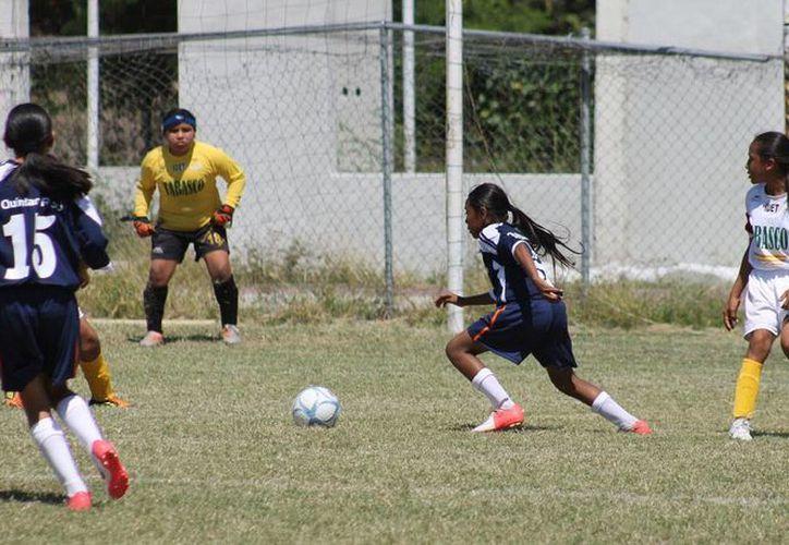 La selección de Quintana Roo infantil mayor ante Tabasco. (Raúl Caballero/SIPSE)