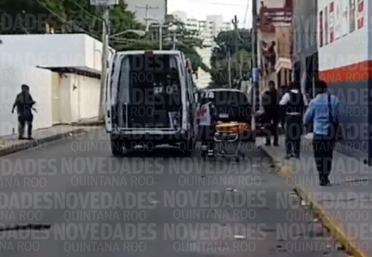 Policías Municipales y Ministeriales acordonaron la zona para hacer las indagatorias correspondientes. (Foto: Redacción)