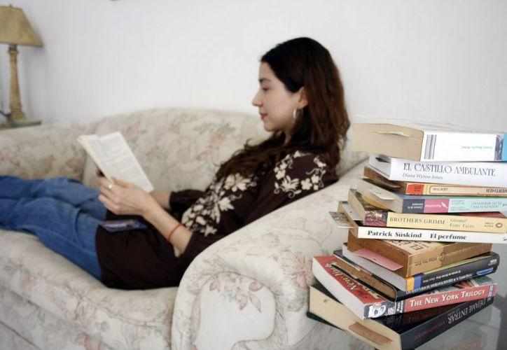 Como cada año, Fabiola se propone leer más este 2013. (Milenio Novedades)