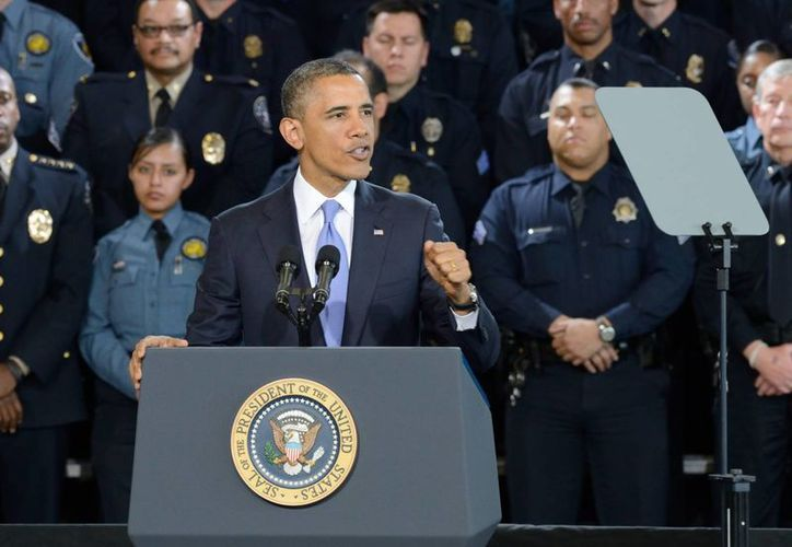 Barack Obama habla sobre las medidas para el control del porte de armas este 3 de abril, en la Academia de Policía de Denver. (EFE)