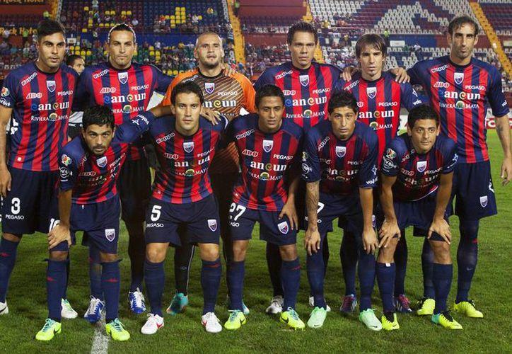 El cuerpo técnico y los jugadores deberán reportarse el día de hoy en el estadio olímpico Andrés Quintana Roo. (Foto/Internet)