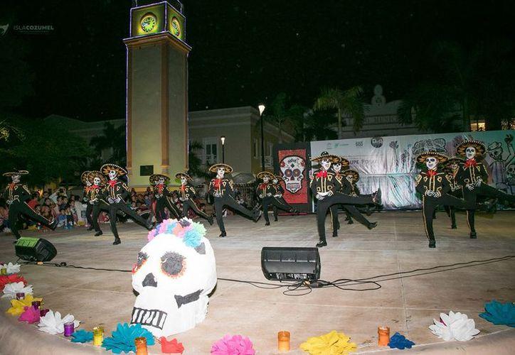 Durante el festival, se dieron a conocer a los ganadores del concurso de altares y de baile. (Foto: Redacción)