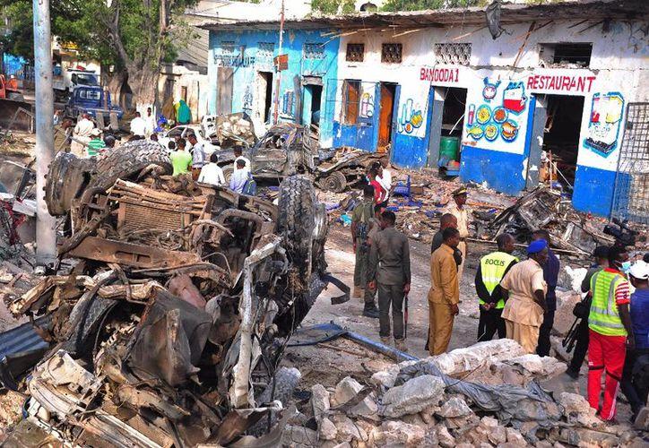 Las fuerzas armadas estadounidenses lanzaron  por primera vez dos ataques aéreos contra el grupo Estado Islámico en Somalia. (AFP).