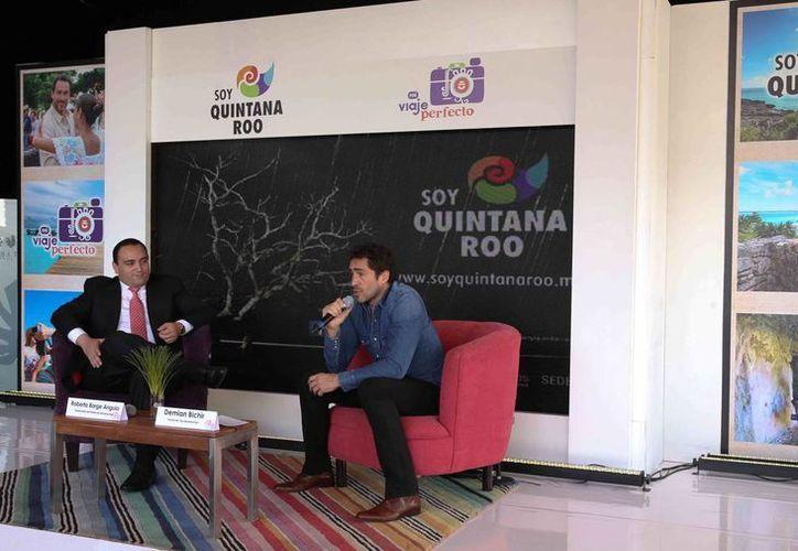 El gobernador de Quintana Roo y Demián Bichir en la presentación de la campaña. (Redacción/SIPSE)