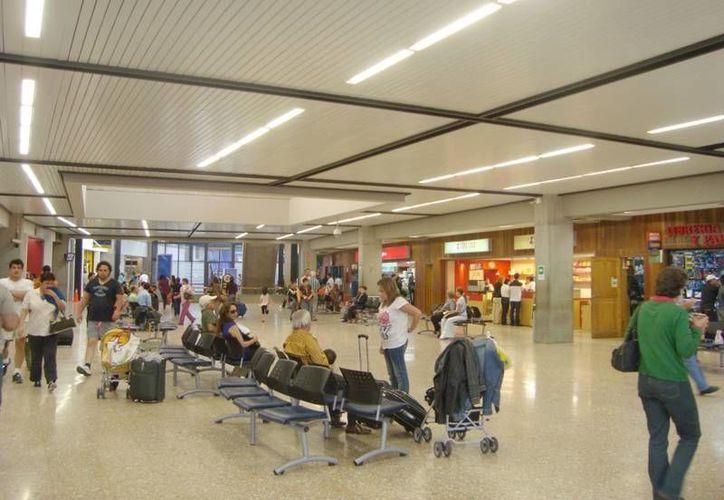 El mexicano con el dinero sospechoso fue detenido en el aeropuerto de Río Negro, en Antioquía. (rapidomedellin.com)
