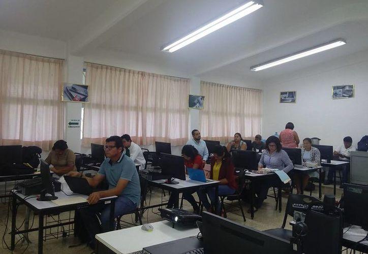 Las prácticas dentro del sindicato nacional, ocasionaron que los docentes optaran por ingresa a las filas estatales. (Joel Zamora/SIPSE)