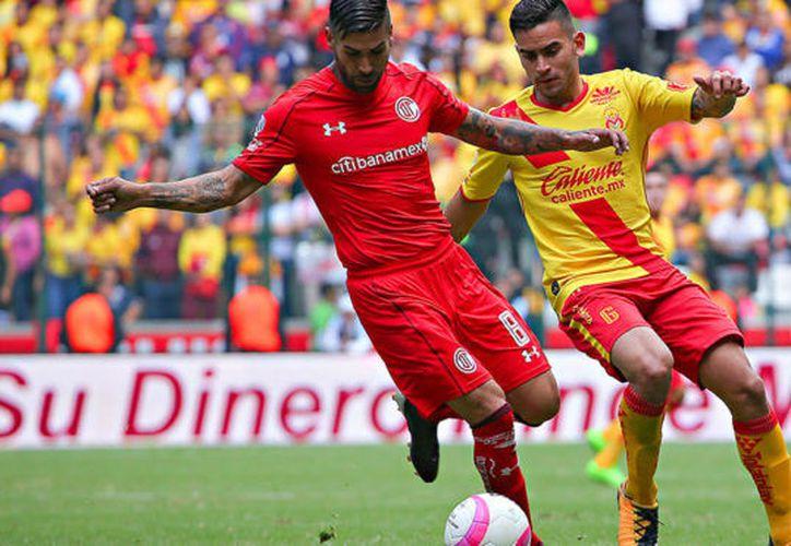 El encuentro se registró ayer, en el Estadio Nemesio Díez, en Toluca. (Contexto/Internet)