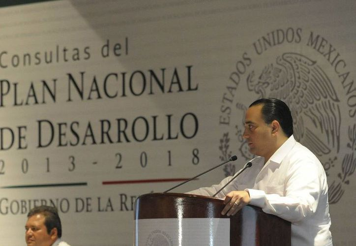 El gobernador destacó que la intención del foro es compartir la visión con la que trabaja Quintana Roo. (Redacción/SIPSE)
