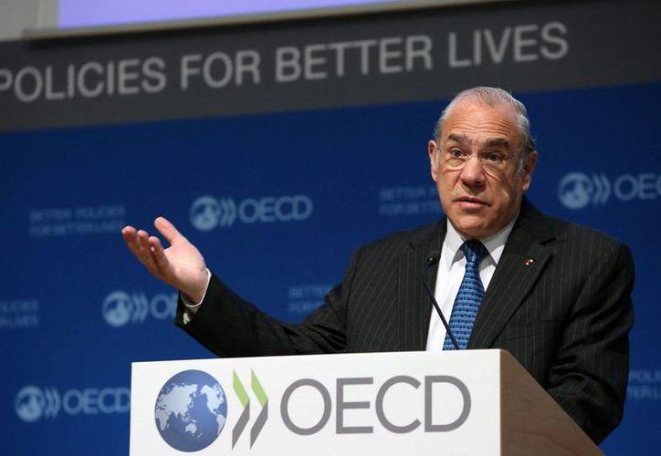 El secretario general de OCDE, José Ángel Gurría, subrayó su compromiso de seguir trabajando para transformar a la organización que hoy le reeligió para un tercer mandato, que concluye en 2021. (Foto notimex)