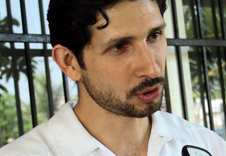 Antonio González Blanco, director del Instituto Municipal de la Juventud, dio a conocer los detalles del apoyo a los jóvenes. (Milenio Novedades)
