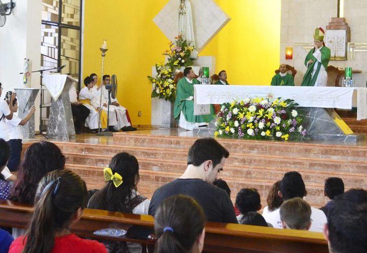El Arzobispo Gustavo Rodríguez Vega hizo un llamado para contagiar la pasión del amor de Dios. (Milenio Novedades)