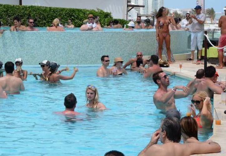 La crisis económica en Rusia provocó que menos turistas de ese país vengan al Caribe mexicano. (Redacción/SIPSE)