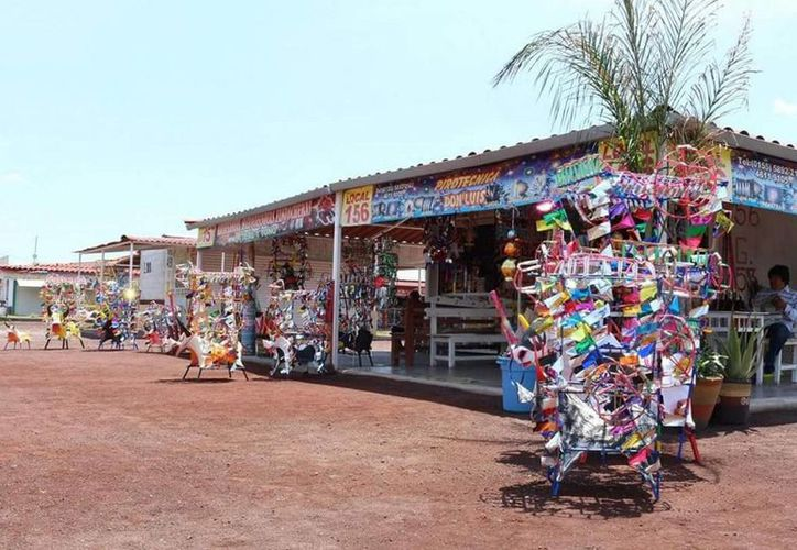 Imagen de archivo del mercado de San Pablito, tradicional por la venta de pirotecnia. Este martes, una explosión en el lugar dejó 32 muertos. (NTX)