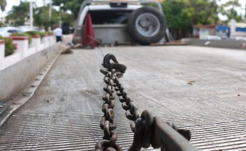 Las empresas que prestan el servicio de arrastre de vehículos serán reguladas en el municipio de Solidaridad. (Adrián Barreto/SIPSE)
