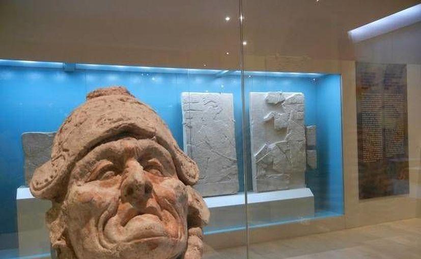 Los Rostros de la Divinidad Maya se exponen en el Museo Maya de Cancún. (Foto/Internet)
