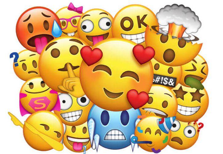 Algunos de estos correos incluían emojis de 'carita' feliz. (Contexto)