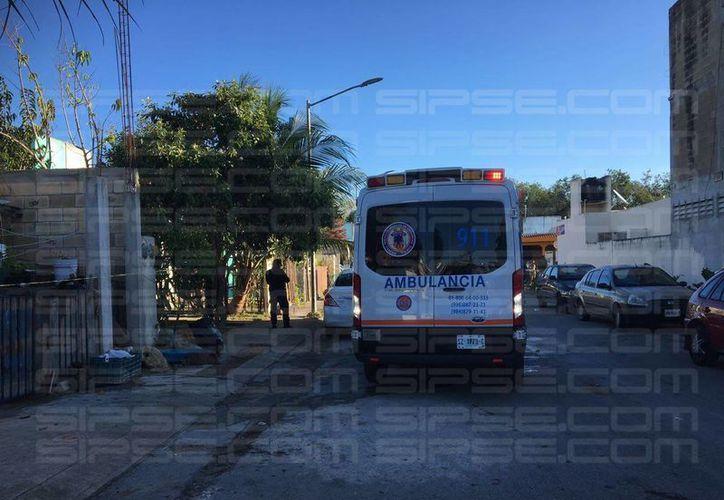 La conductora del taxi, iba camino a dejar a su hija a la escuela, cuando la interceptaron. (Ángel Euán/ SIPSE)