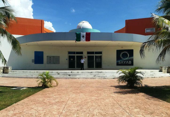 Roberto Rojo, director del planetario, dijo que la alianza con Ammccyt se firmara el próximo mes. (Foto: Octavio Martínez)