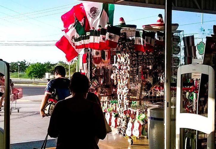 La Profeco activó un operativo para vigilar precios y servicios con motivo de las Fiestas Patrias, en Yucatán. (Uziel Góngora/SIPSE)