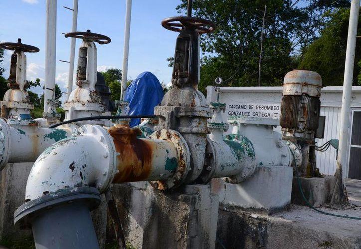 La Comisión de Agua Potable, aparte enfrenta un adeudo de 880 millones de pesos. (Juan Rodríguez/SIPSE)