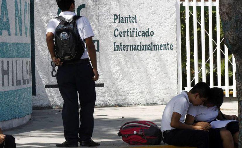 Se ha detectado en las secundarias y preparatorias la presencia de la violencia psicológica en los noviazgos. (Sergio Orozco/SIPSE)