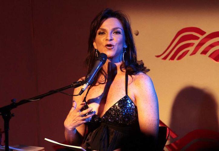 Mariana Garza, quien debutó el lunes en la obra 'Los monólogos de la vagina', descartó un nuevo reencuentro con sus compañeros de Timbiriche. (Notimex)