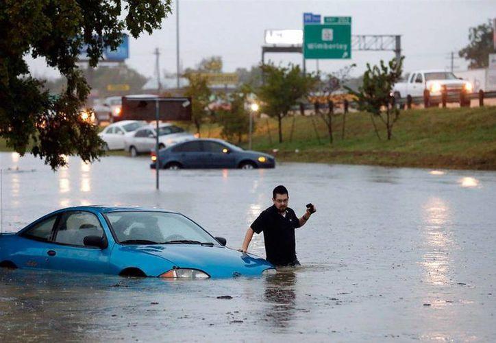 Las autoridades texanas incluyeron en un registro de potenciales amenazas a los desastres naturales, como inundaciones y sequías. (Agencias)