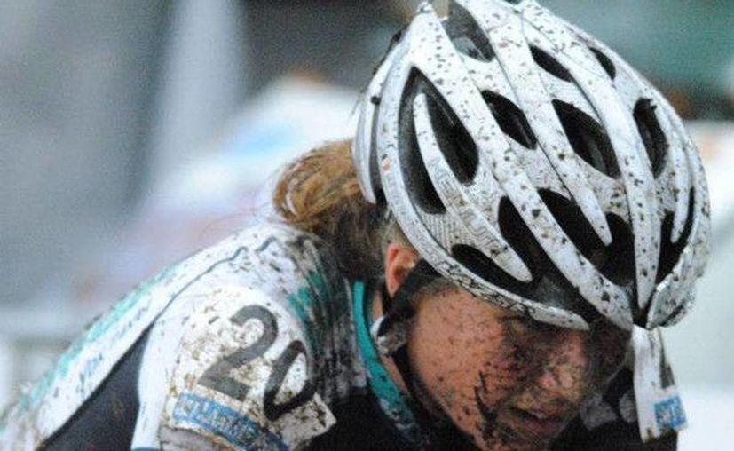 La carrera de la ciclista belga Femke Van den Driessche quedó manchada, tras ser suspendida seis años por 'dopaje tecnológico'. (Facebook.com/femke.vandendriessche)