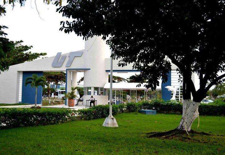 La UT se ubica sólo un peldaño debajo de la universidad La Salle. (Redacción/SIPSE)