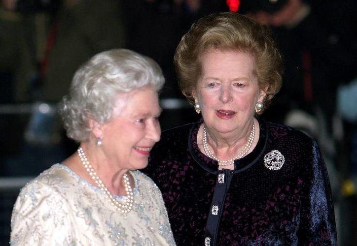 """La baronesa Thatcher y la Reina mantuvieron una """"relación de trabajo"""" que duró más de diez años. (Agencias)"""