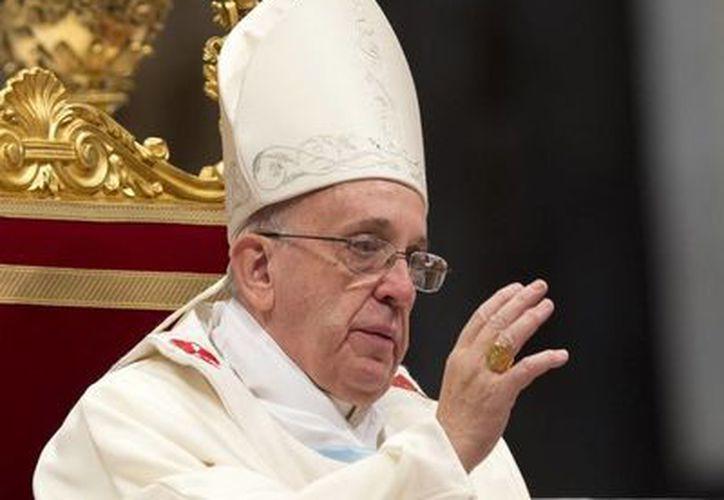 El Pontífice ha demostrado también ser muy popular debido a una serie de declaraciones en las que ha instado a la Iglesia a estar más cerca de los pobres. (Agencias)
